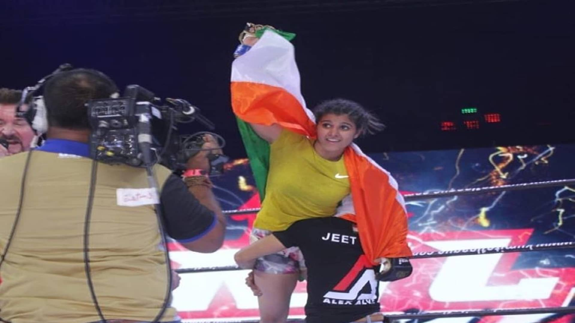 https://lockerroom.in/blog/view/Priyanka-Jeet-Toshi-Indian-MMA