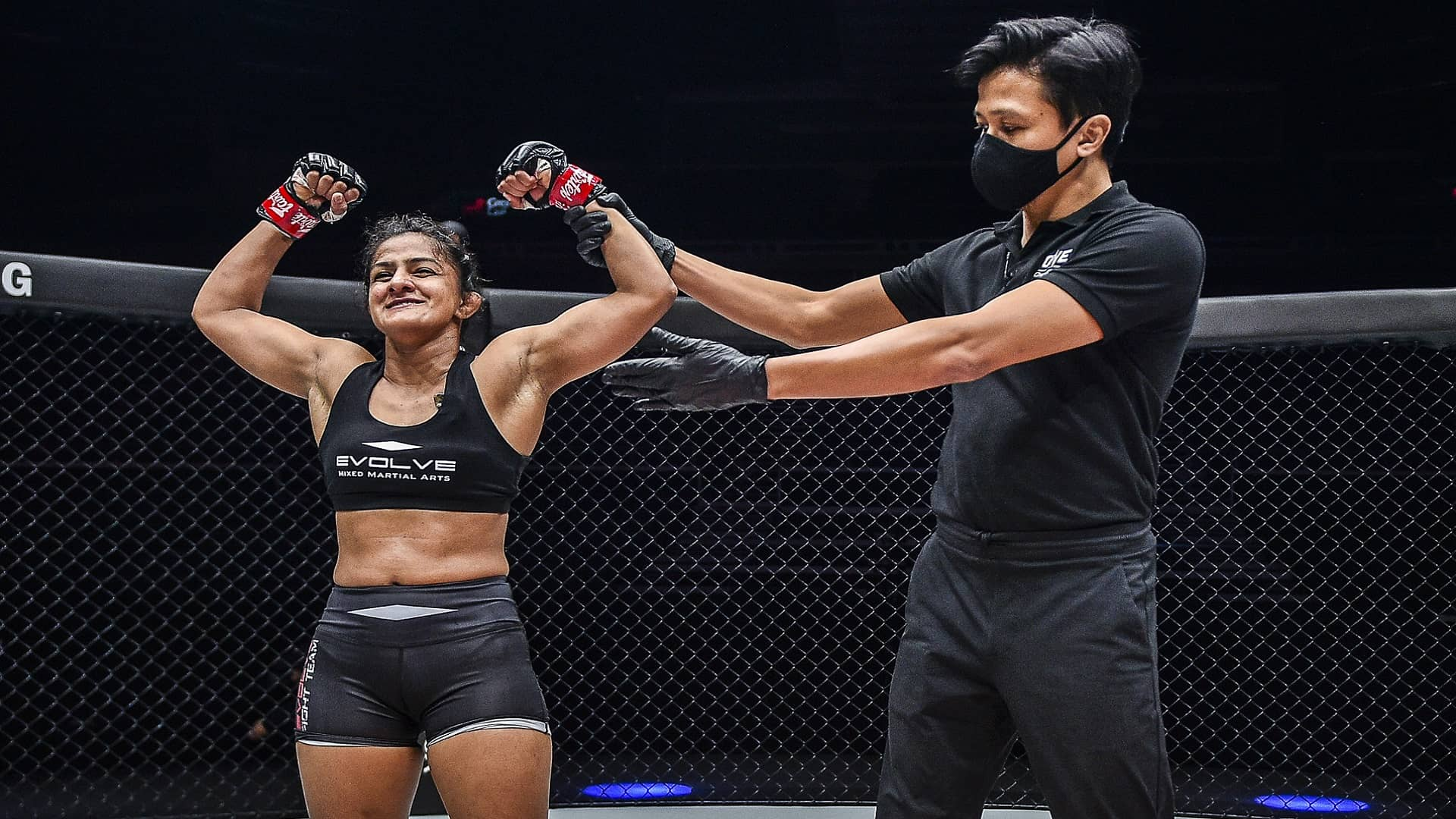 https://lockerroom.in/blog/view/Ritu-Phogat-MMA-Jomary-Torres