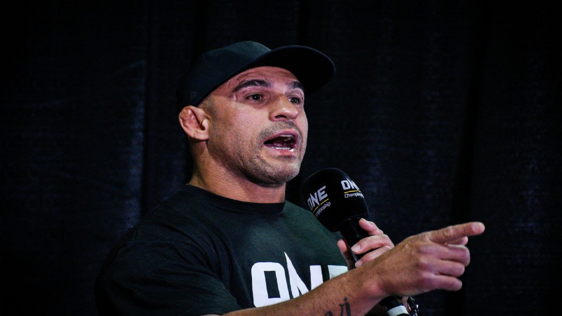 https://lockerroom.in/blog/view/Mike-Tyson-Vitor-Belfort-AEW